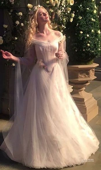 Elle Fanning Aurora Off The Shoulder Tulle Wedding Dress In Movie Maleficent 2
