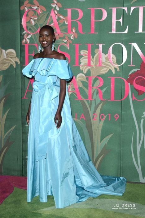 Adut Akech Blue Off-the-shoulder Dress Green Carpet Fashion Awards 2019